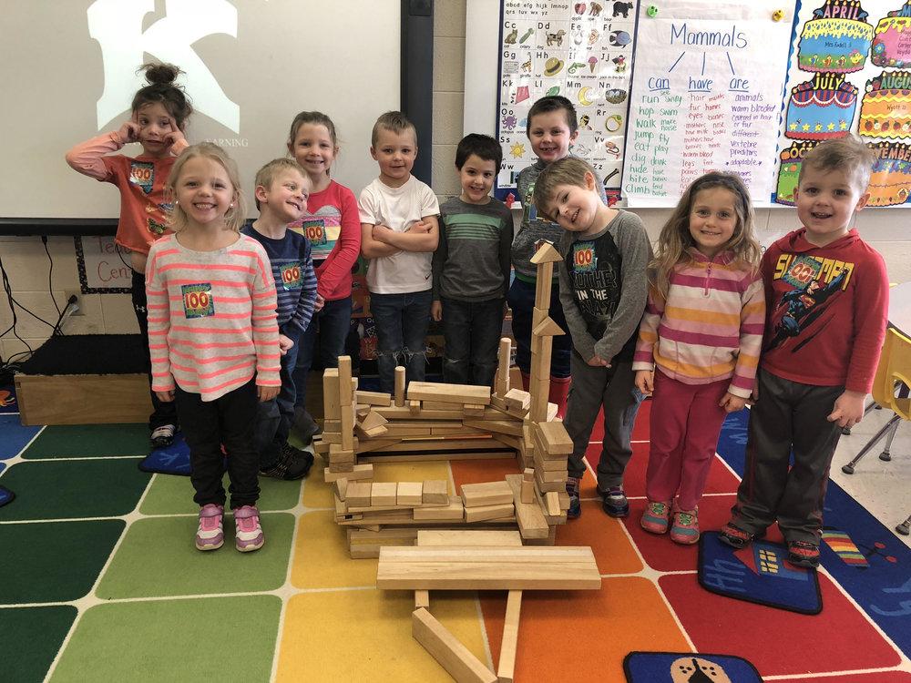 100 piece block structure