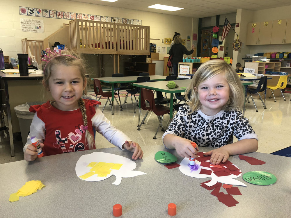 making tissue paper apples