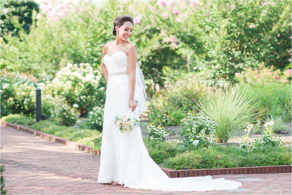 Lewis Ginter Botanical Garden Wedding_0381.jpg