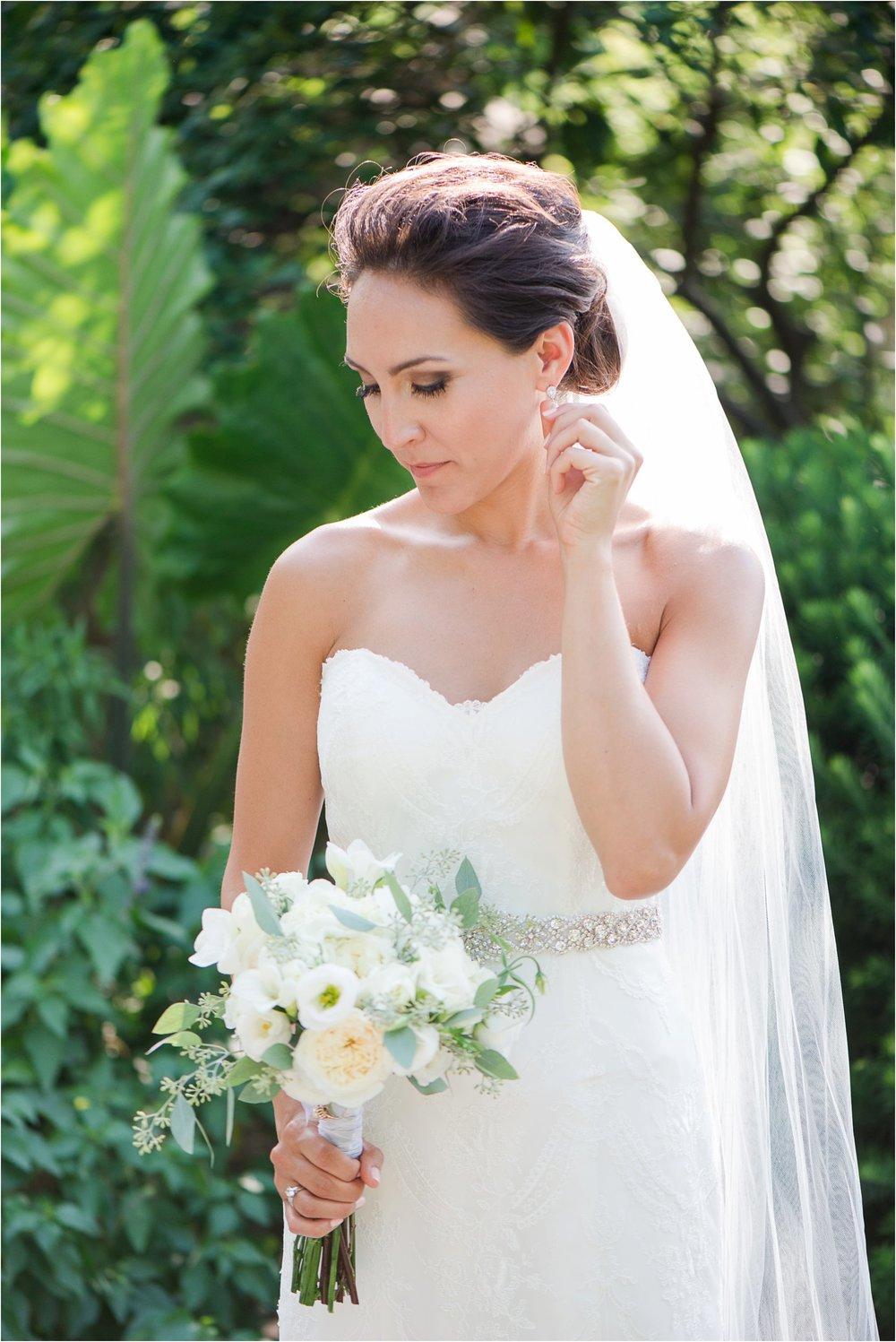 Lewis Ginter Botanical Garden Wedding_0399.jpg