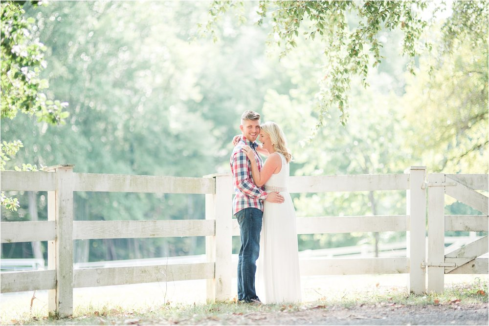 Roslyn Farm Engagement_0158.jpg