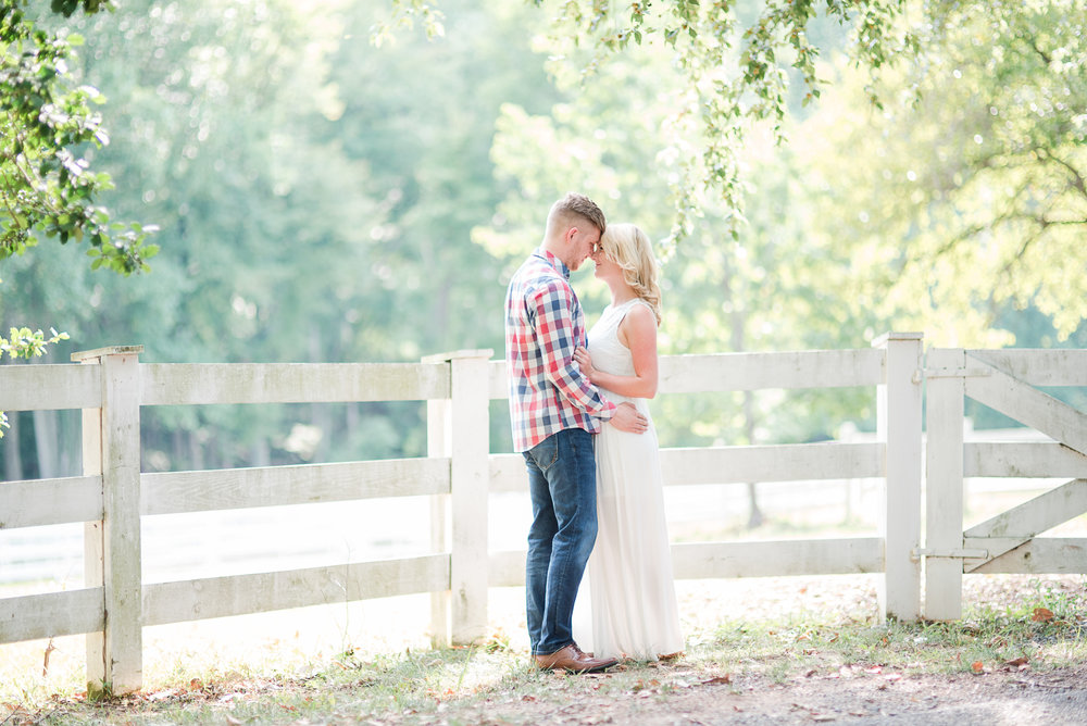 Roslyn Farm Engagement Session-7.jpg