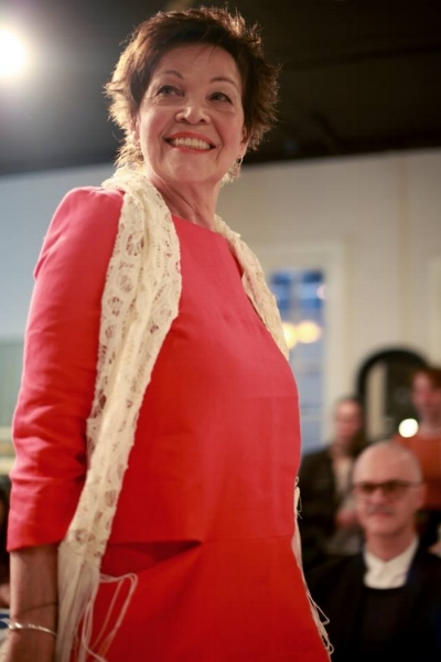 Défilé printemps-Été 2018 - Angéline porte une robe de la designer Valérie Dumaine et un foulard Vintage.