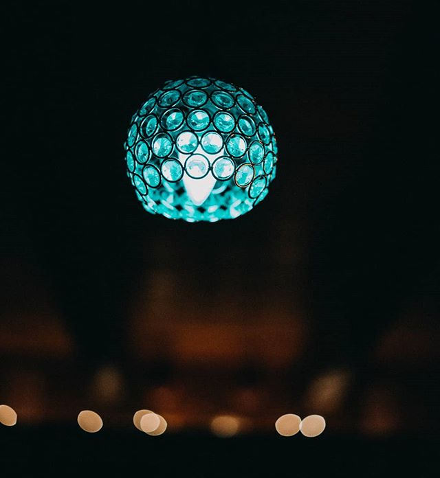 It's all in the details #homedecor #beautifulthings #lookslikefilm #lights #decorating #detailphotography
