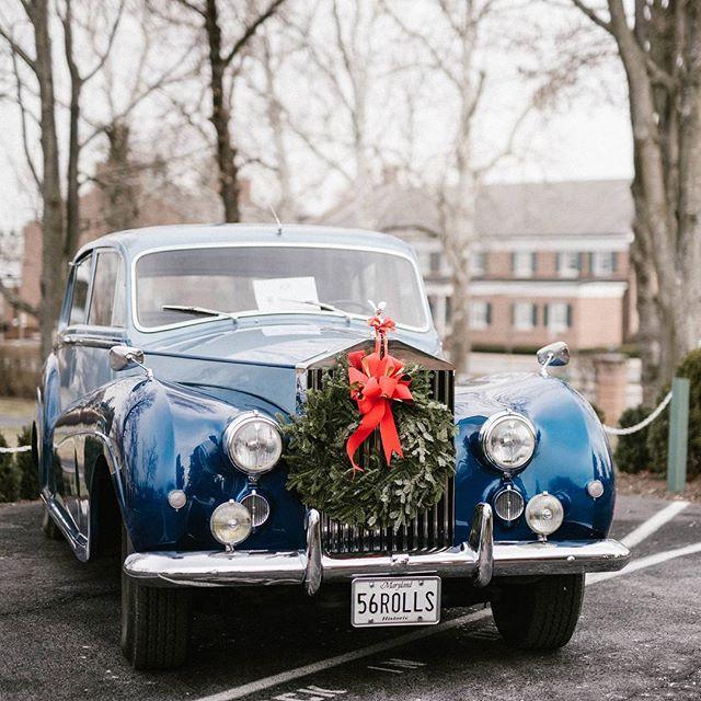 Rolls #sobeautiful .... #picoftheday #lookslikefilm #cars #christmasphotography #maryland #marylandchristmas #classiccars #rollsroyce