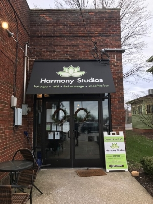 I visited Harmony Studios in Willoughby to see Jessica Guerrieri.