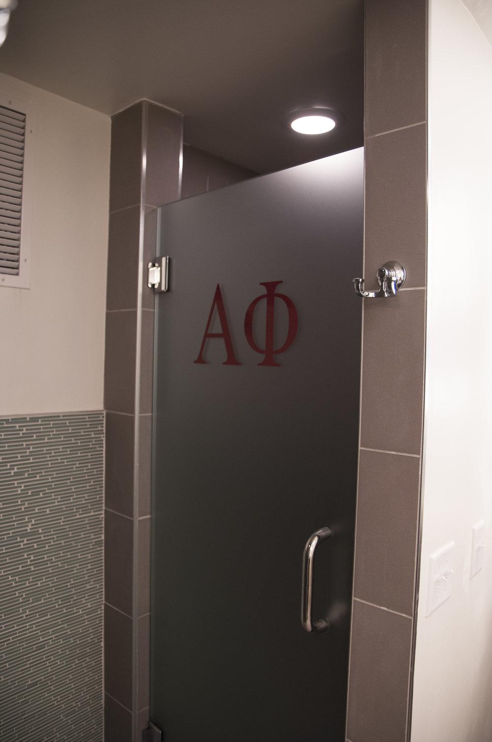 Interiors_AlphaPhi_Bathroom-19.jpg