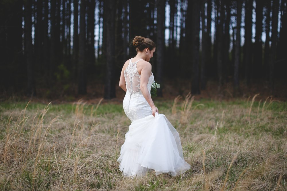 Bridal_Shoot_in_a_Field_JCP.jpc