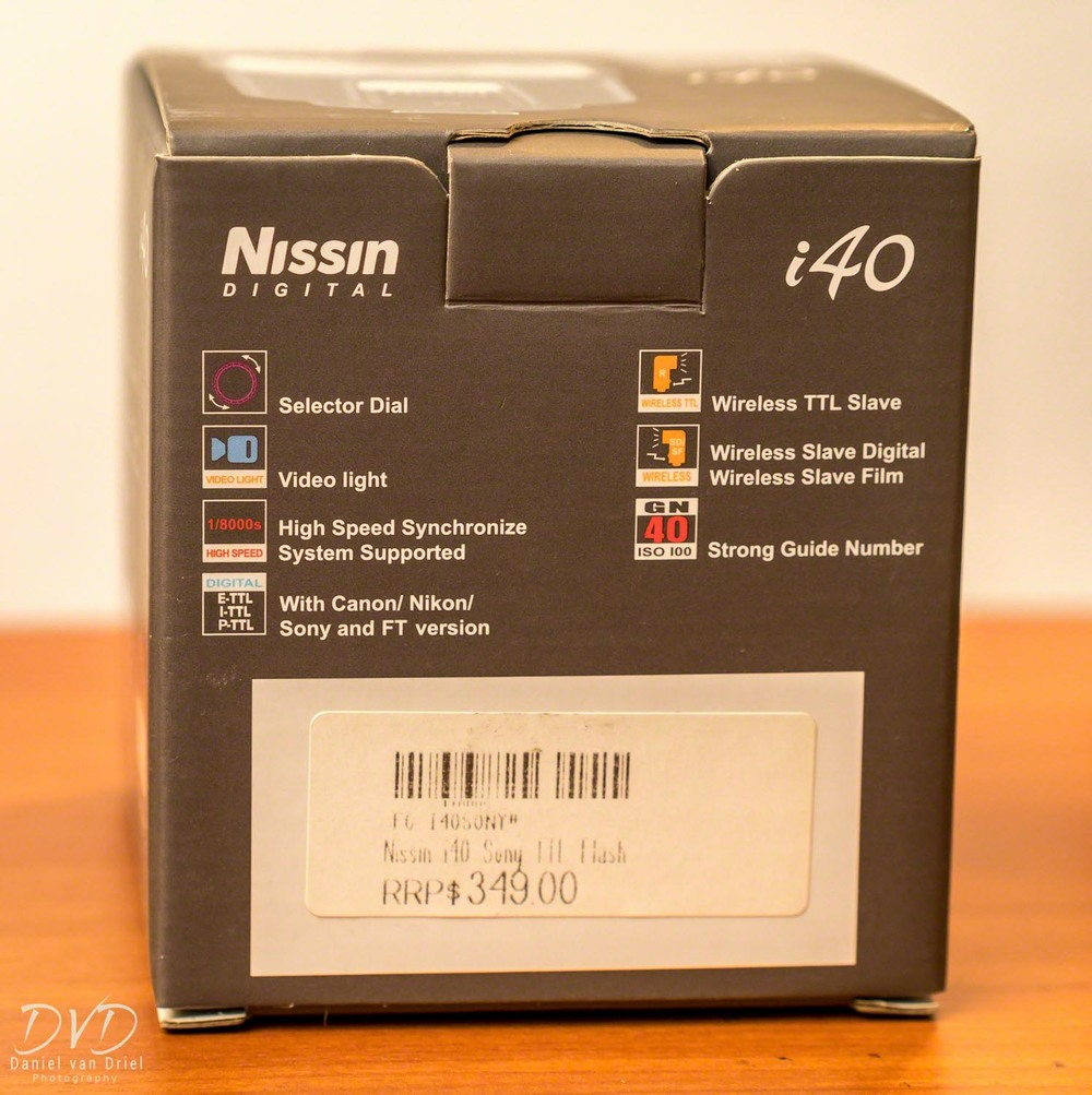 Box of Nissin i40 Flash