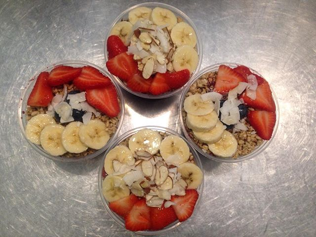 Come down to Drink Ur Greens and try one of our delicious blended Acai Bowls topped with fresh Fruit. Pictured above is our Tropical and Classic Acai bowls. #drinkurgreens #fruit #tropical #vegan #fresh #acaibowl #toppings #healthy #delicious #glendoravillage #fruits #vegatables #bananas #strawberries #blueberries #coconut #almonds #classic #refreshing #granola #nosugar #alwaysfresh #Glutenfreegranola #freshfruit