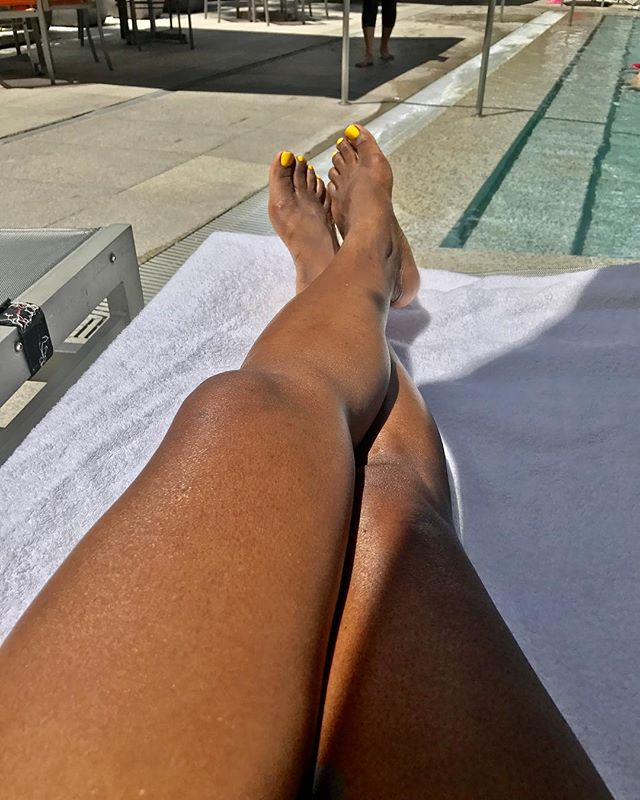Posting the gratuitous feet by the pool shot. I spent the morning by the pool basking in the Puerto Rican sunshine. 💕 . . . . . #puertorico #vacationmode #vacationtime #poolsidechillin #lovemylegs #blackgirlvibes #vegangirl #veganflorida #southfloridavegan #southfloridablogger #puertoricolife #lblogger #lifestyleblogger #relaxationtime #doingme