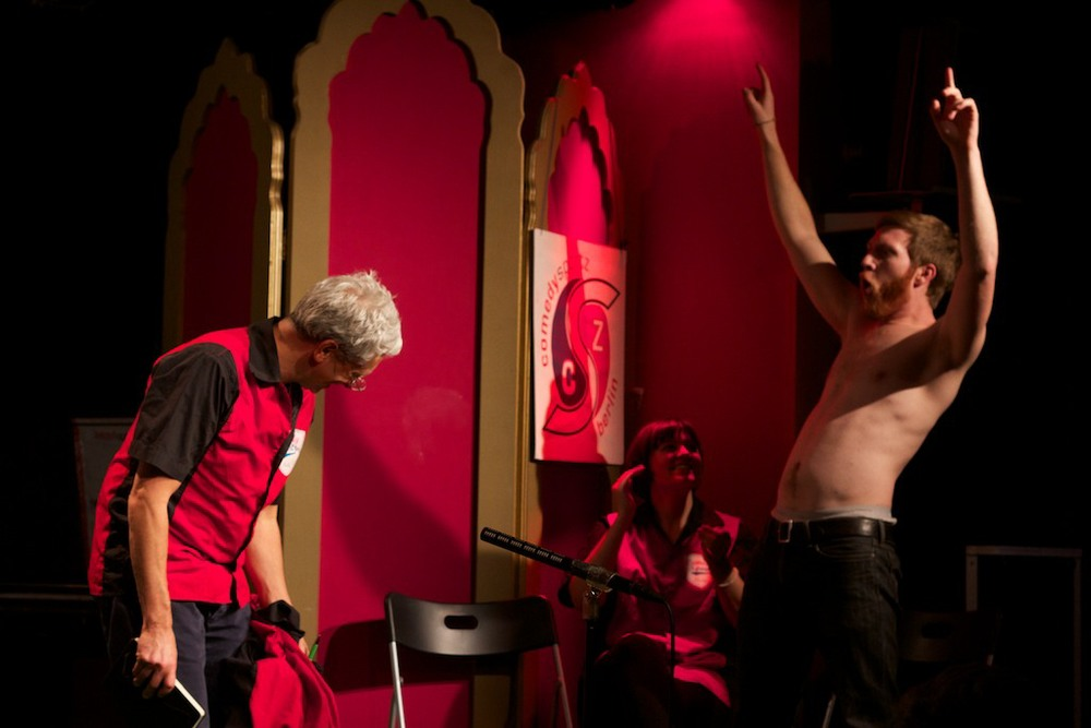 Victory at the Kookaburra Comedy Club with ComedySportz Berlin