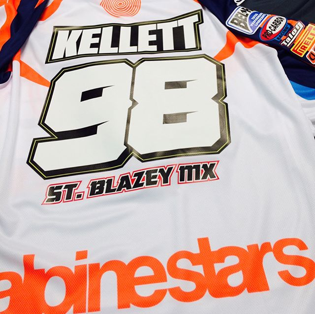 Little freshen up today for @kellett98 #husqvarna1903 #stblazeymx #alpinestars #thisisamped