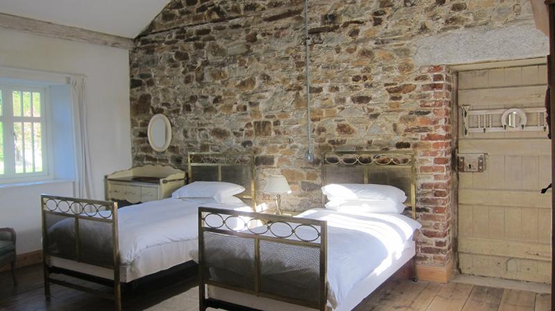A twin room at Coolattin Lodge