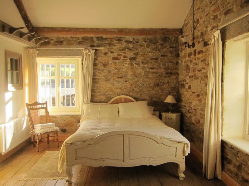 Double bedroom in Coolattin Lodge