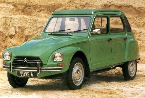 Een groene CitroënDyane 6