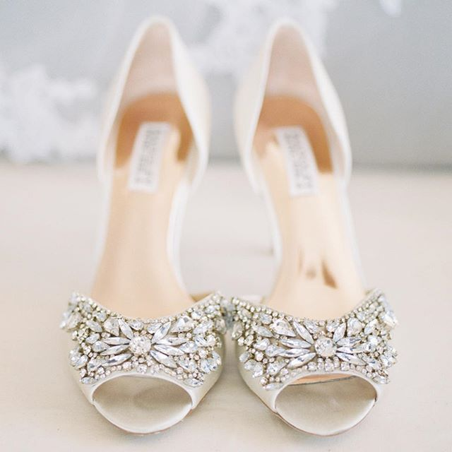 These shoes are so stunning 😍😍😍😍 Love capturing a bride's details that she has spent months planning for 😍 #lightandfilmaremyart #film #fujifilm #ishootfilm @photovisionprints @fujifilm_profilm @filmsupplyclub @yourjubilee