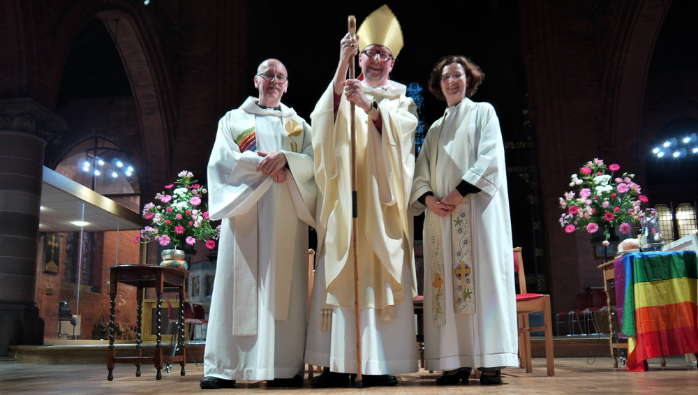 L-R: Revd Mark Waters, Team Vicar of St Luke In The City, Rt Revd Paul Bayes, Bishop of Liverpool, and Revd Dr Miranda Threlfall-Holmes CREDIT Helen Parker-Jervis