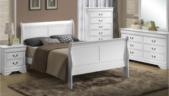 white sleigh bed.PNG