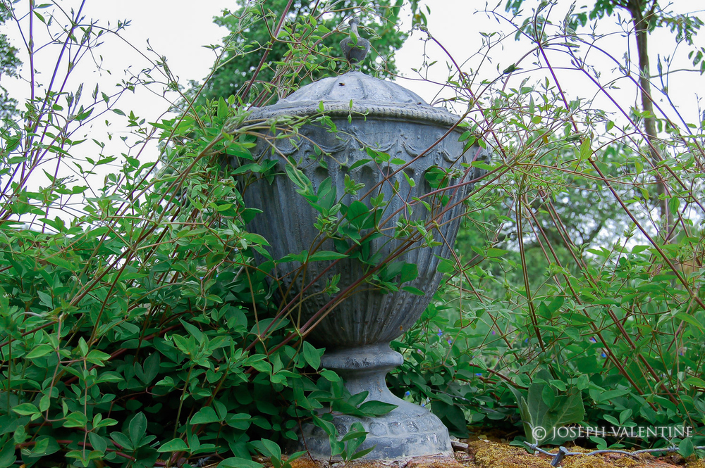 sisinghurst urn.jpg