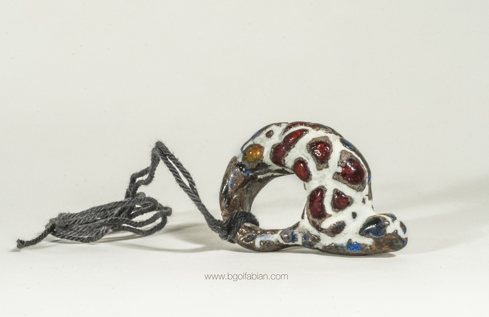 Bogi Fabian Glowing Ceraic Jewelry Pendand S7.jpg