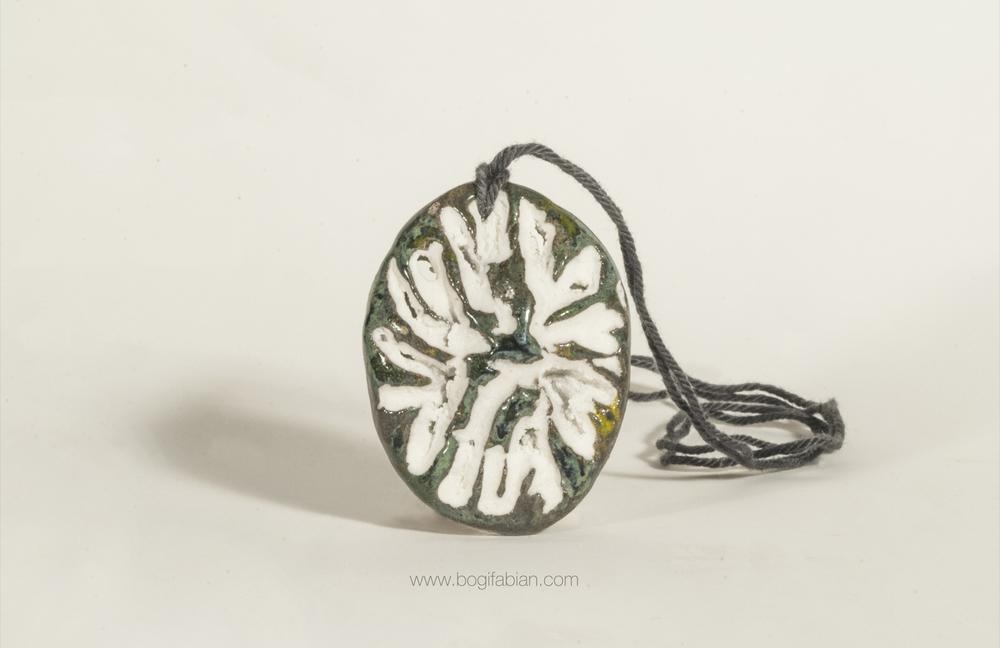 Bogi Fabian Glowing Ceraic Jewelry Pendand S9.jpg