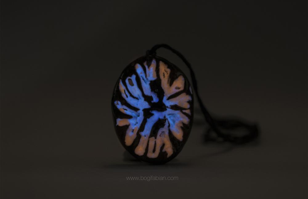 Bogi Fabian Glowing Ceraic Jewelry Pendand S10.jpg