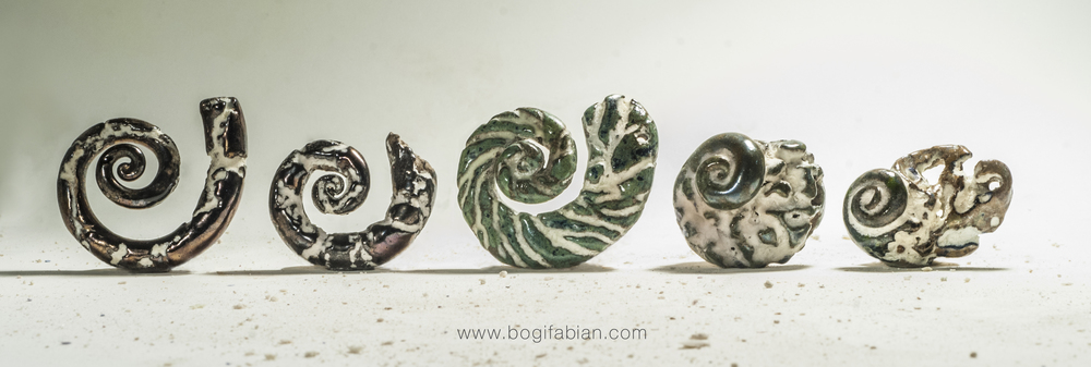 Bogi Fabian Glowing Ceramic Jewelry day night L4.jpg