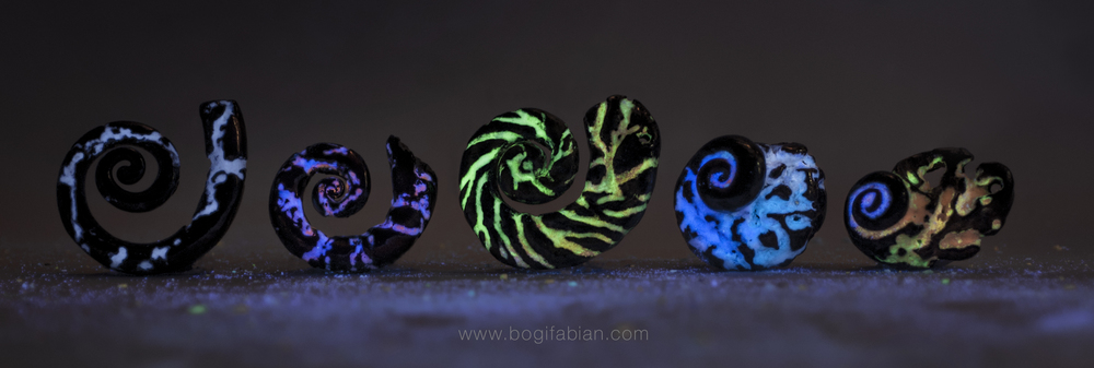 Bogi Fabian Glowing Ceramic Jewelry day night L5.jpg
