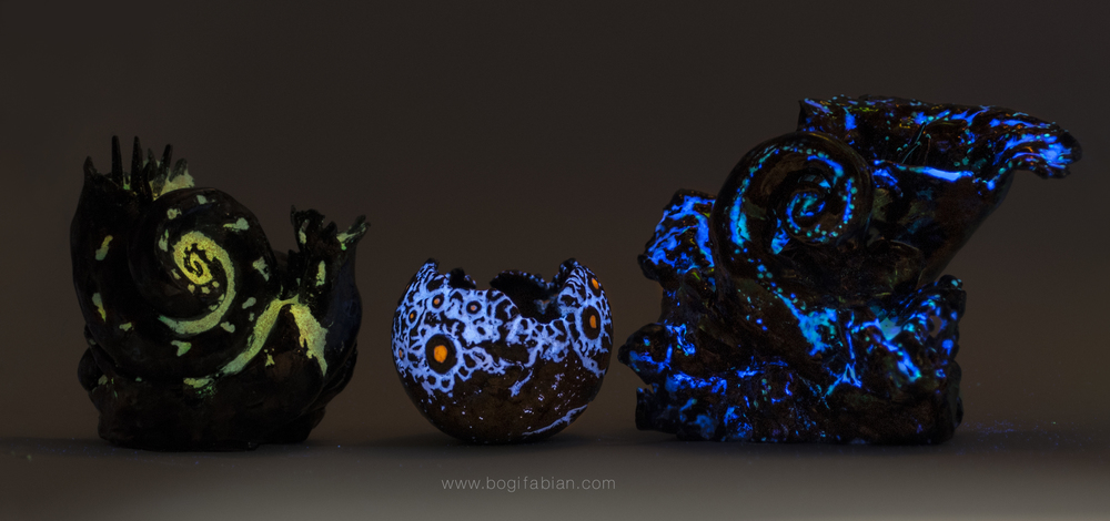 Bogi Fabian Glowing Ceramic Jewelry sculpture day night 2 jpg. glowing ceramics   bogi fabian