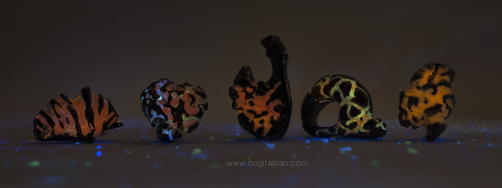 Bogi Fabian Glowing Ceramic Jewelry Long 1 d.jpg