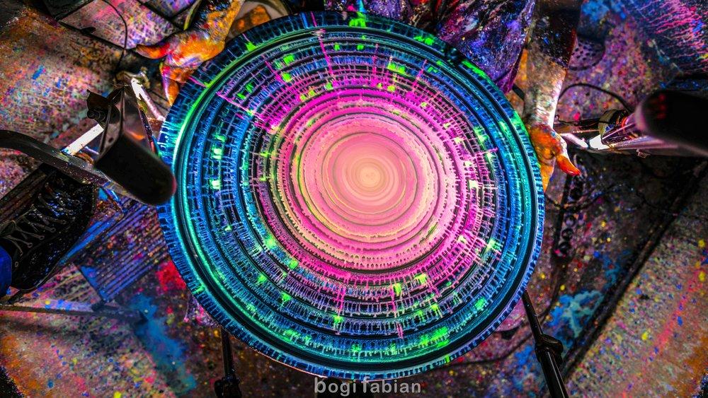 Bogi Fabian Pottery wheel Tomi Bojnec How to have fun on the potter's wheel ft. Ultraviolett Light  blacklight fluorescent magic