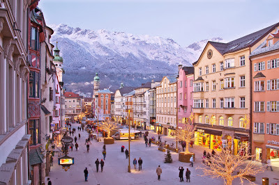 Christmas-Market-Maria-Theresien-Strabe-2.jpg