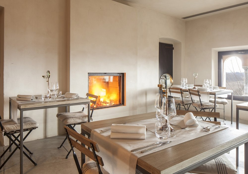 Fireplace in restaurant.jpg