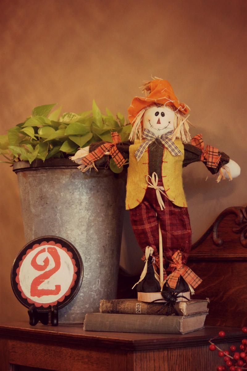 scarecrow close