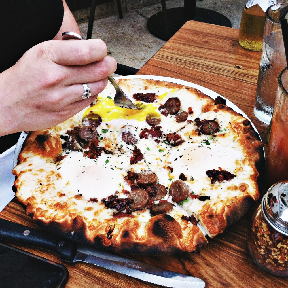chicago guide frasca breakfast pizza