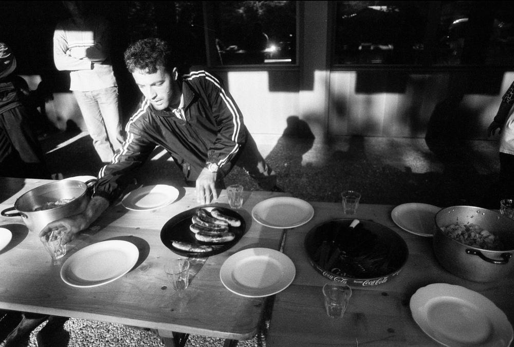 Après une semaine d'occupation, l'organisation au sein de la collectivité commence à être bien rodée. Chacuns se voit attribué ses tâches. Fribourg, le 11 juin 2001.