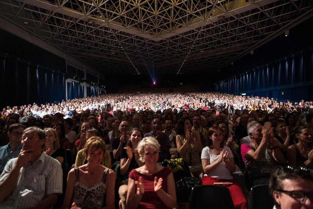 Salle du Palexpo, lors de la cérémonie de remise du Leopard Club Award à l'actrice américaine Meg Ryan.