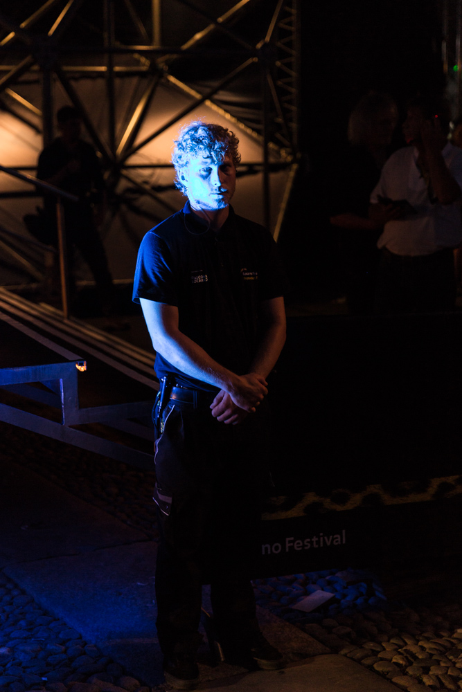 71ème édition du Locarno Festival. Un Agent de sécurité au travail pendant les présentations sur la Piazza Grande.