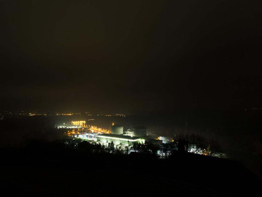 La centrale nucléaire de Beznau (CH) est la plus ancienne centrale en activité au monde. Sa mise en service remonte à 1969. Extrait de la série S.O.I.A.