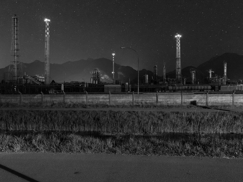 Raffinerie. Extrait de la série S.O.I.A.