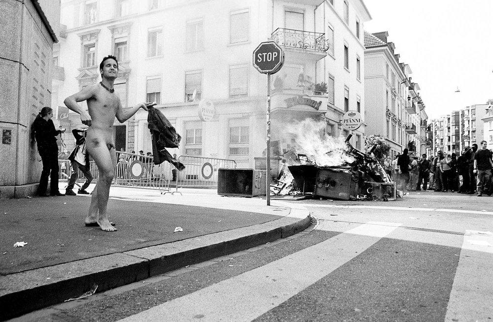 Le 1er 2000 mai à Zurich.©Pierre-Yves Massot. Zurich, le 01 05 00.