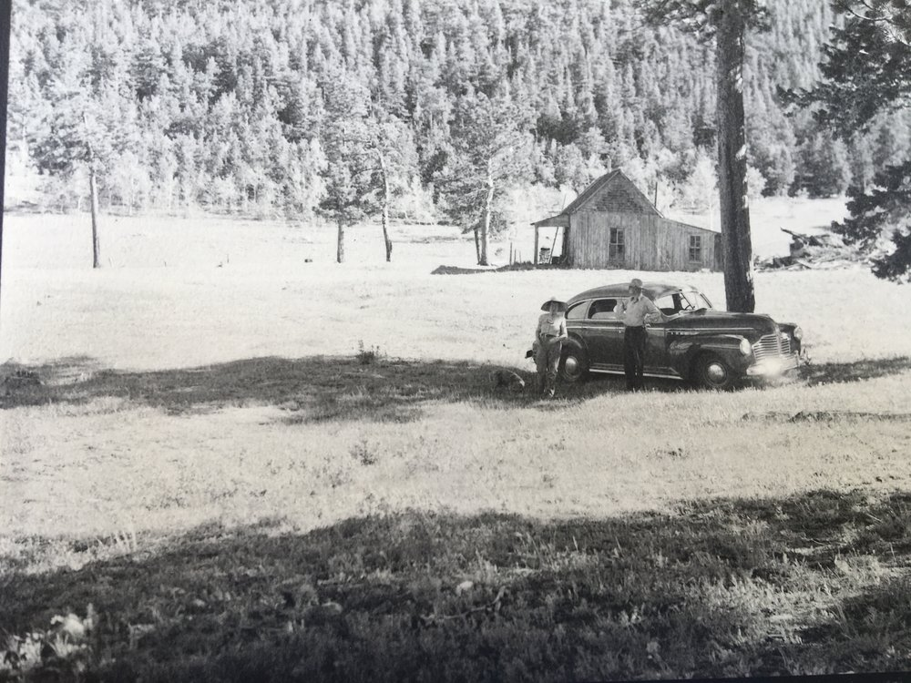 See that house behind Ethel and Greybeil White and their snazzy car?