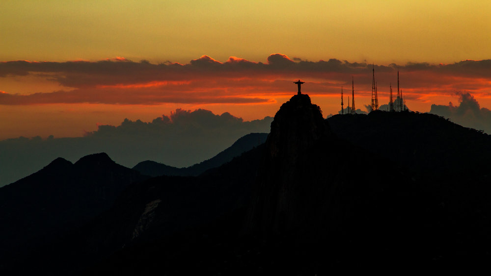 Christ the Redeemer as the sun sets