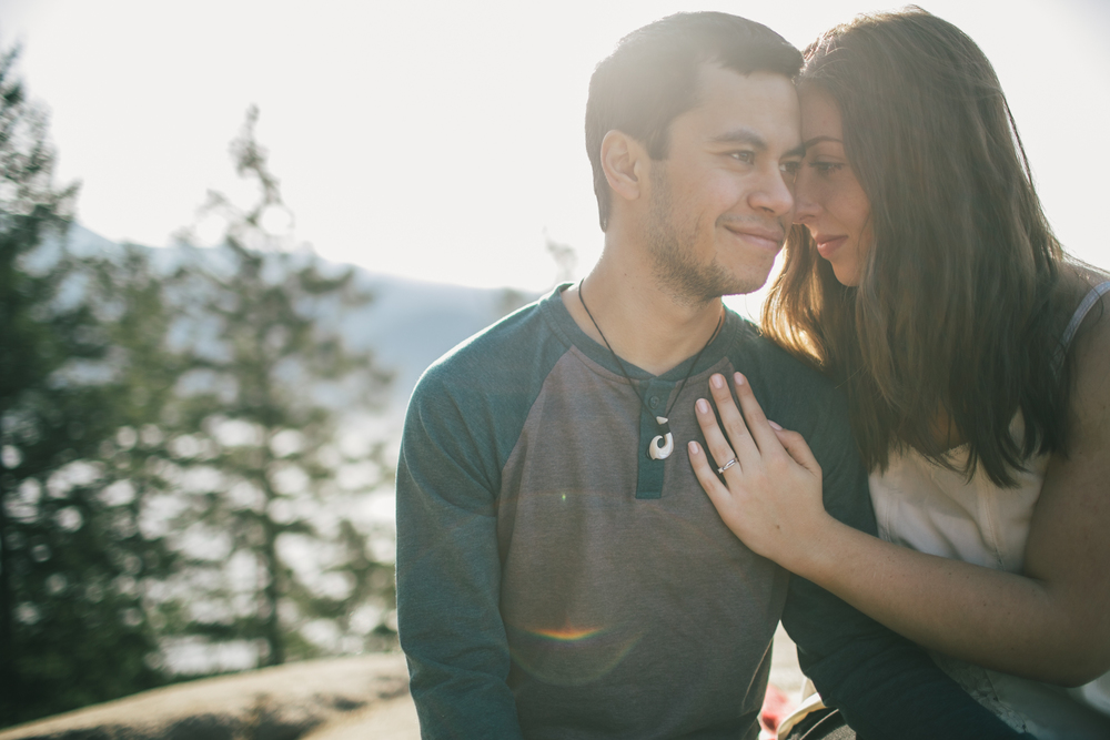 A North Vancouver Deep cove and Quarry rock engagement session.  Vancouver wedding, lifestyle and portrait photographer. Lesley Laine