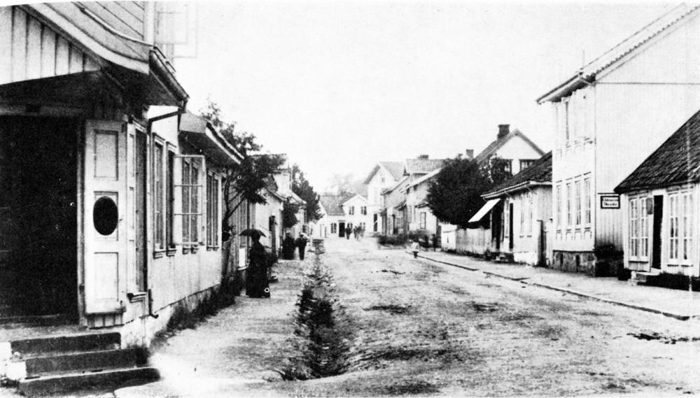Langgaden i Sandefjord. Johanna bodde som barn i Langgaden 204, et av husene i første kvartalet på høyre side.
