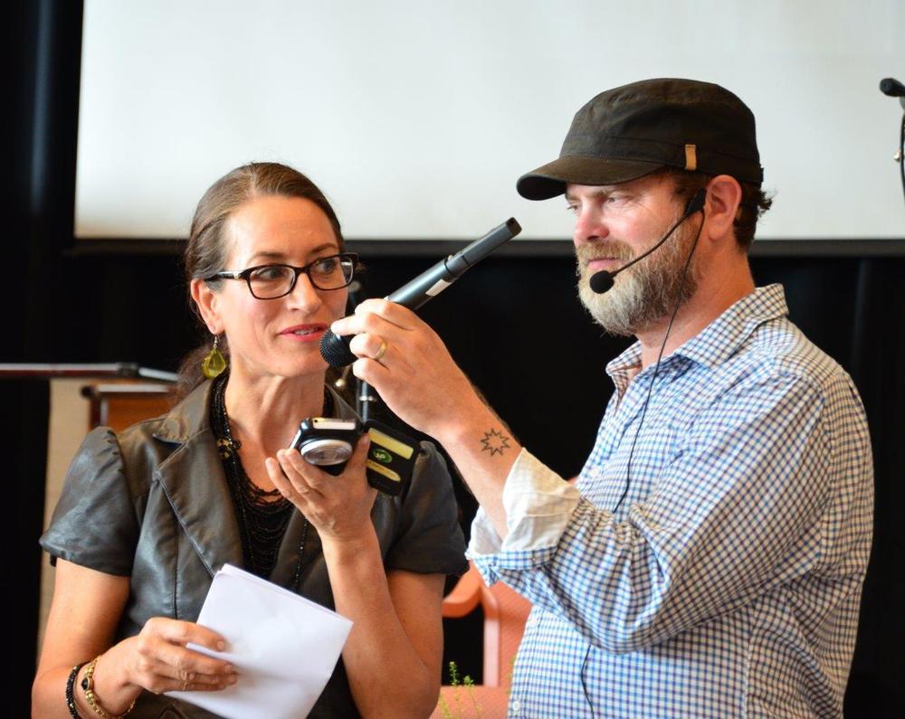 Rainn Wilson her sammen med deltager Åse Hagen. FOTO: Behnam Bahrami.