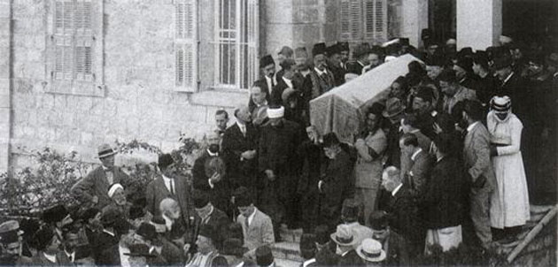 'Abdu'l-Bahás begravelse i Haifa, november 1921.