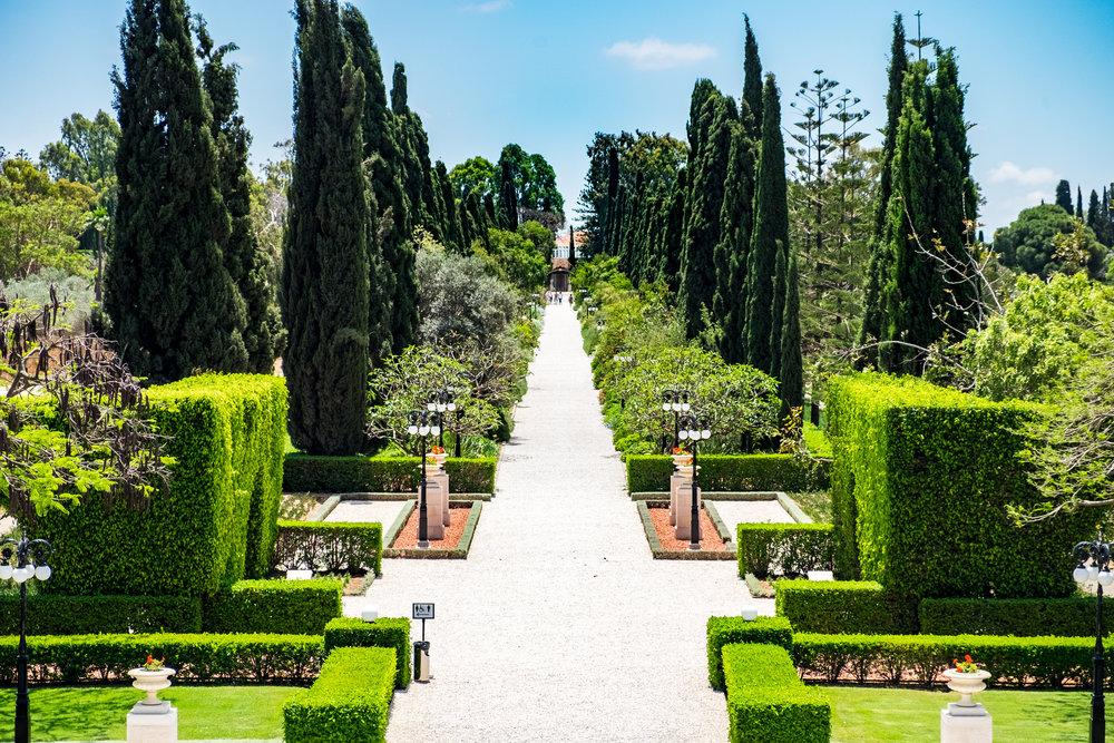 Bahá'u'lláhs gravsted er omringet av vakre hager. FOTO: Nasjonalt Åndelig Råd for Bahá'íer i Norge.