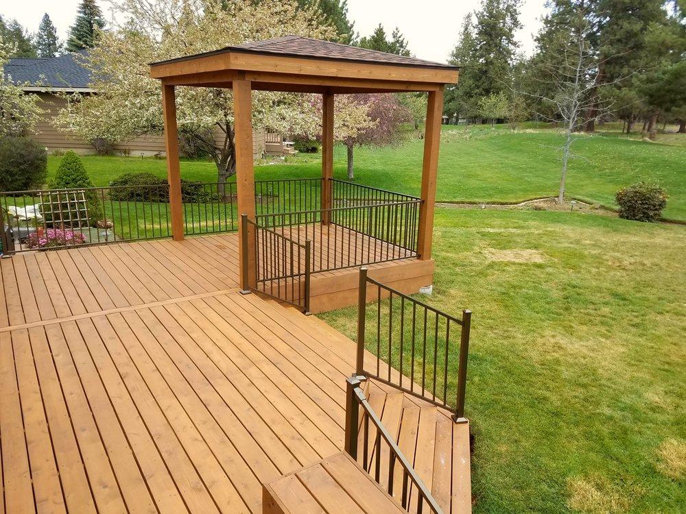 Cedar deck and pavilion, Bend Oregon